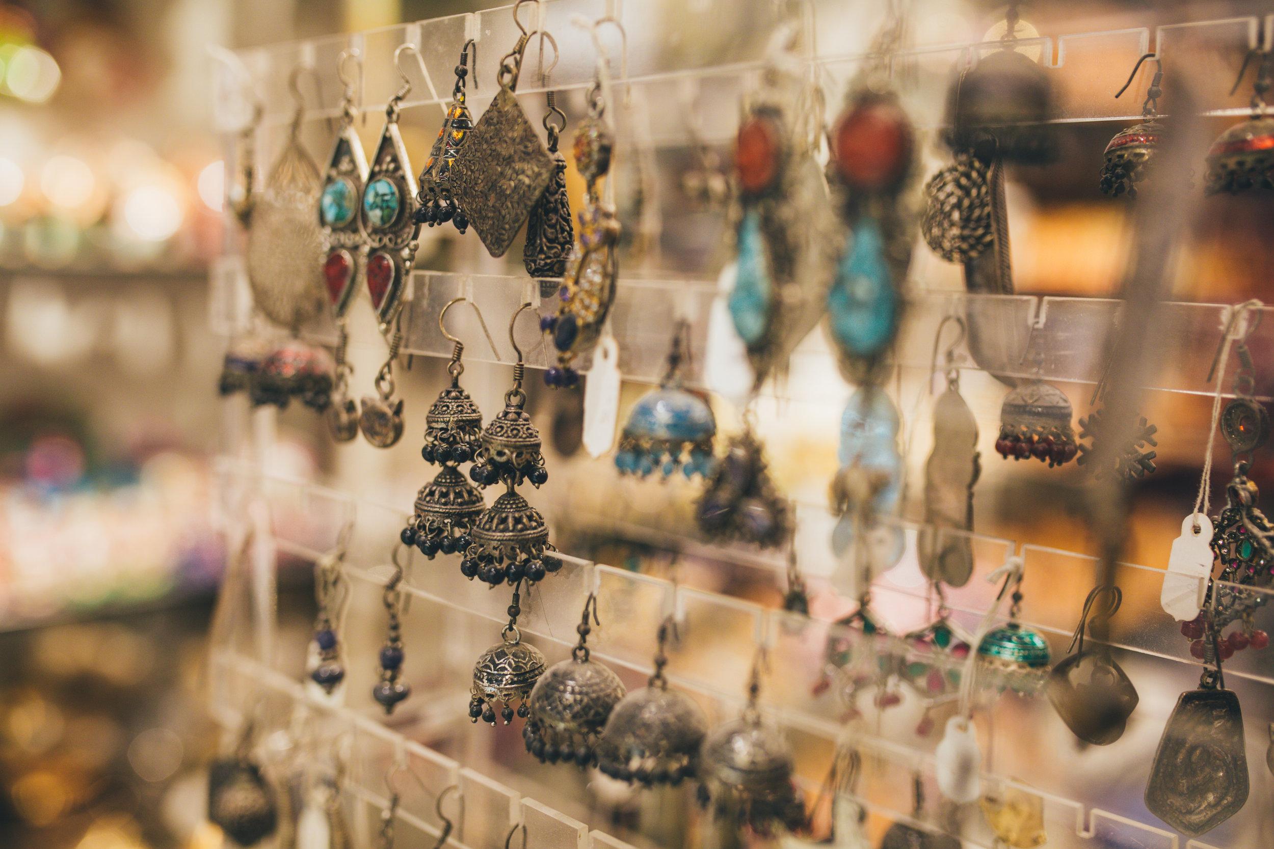 Find steals in Jaipur's Popular Markets