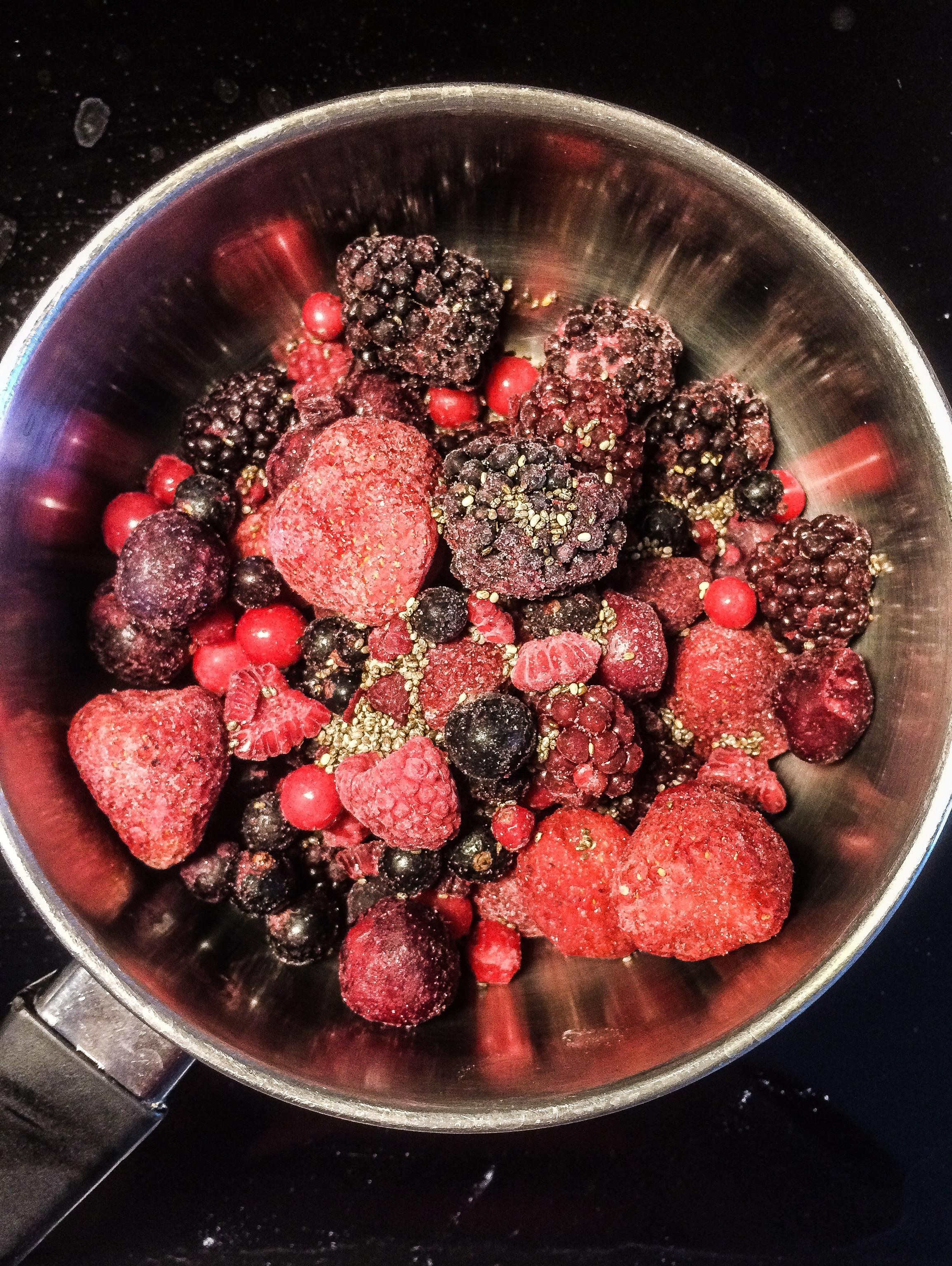 frozen_berries_and_chia_seeds_jam