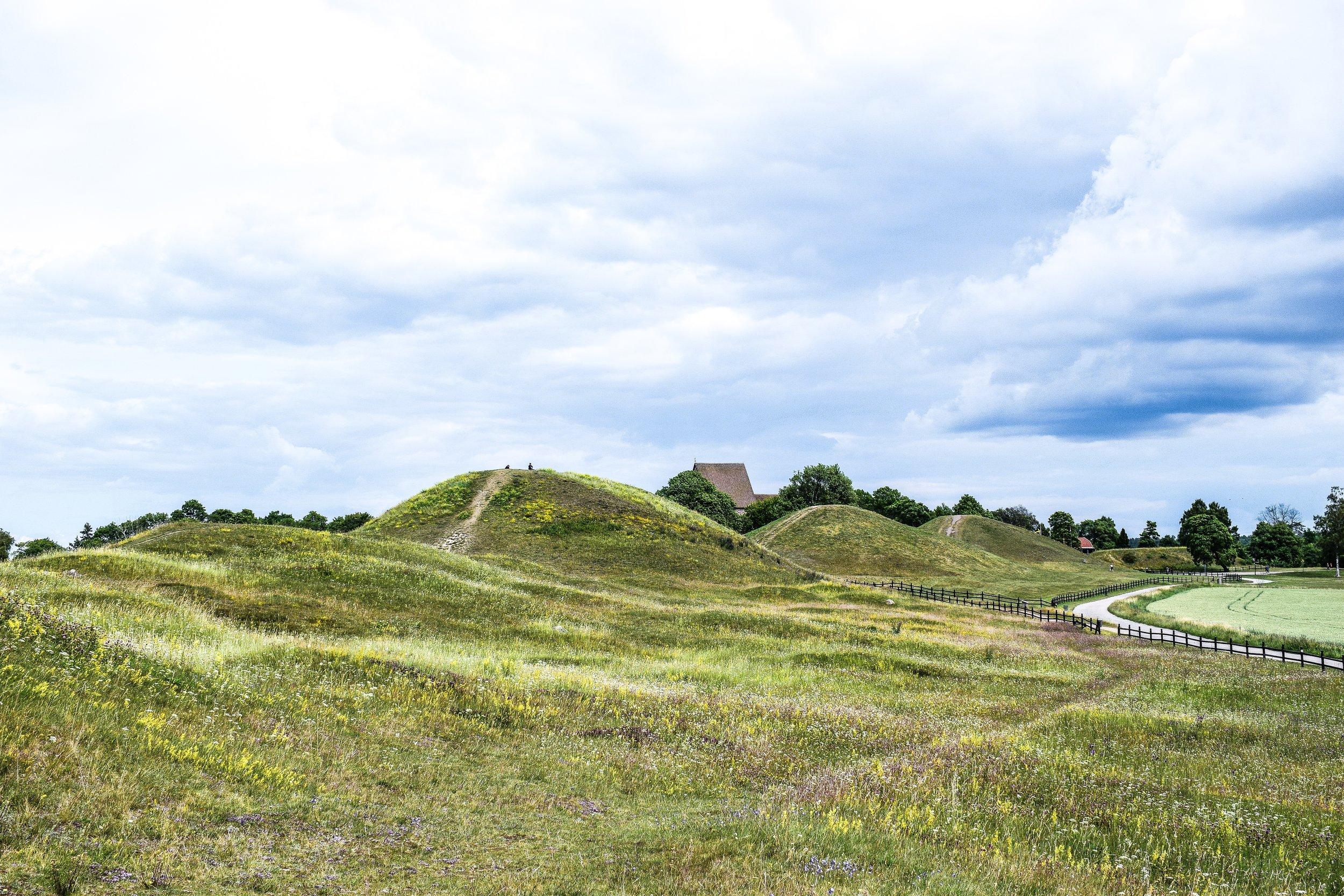 gamla_uppsala_kings_mounds4.jpeg