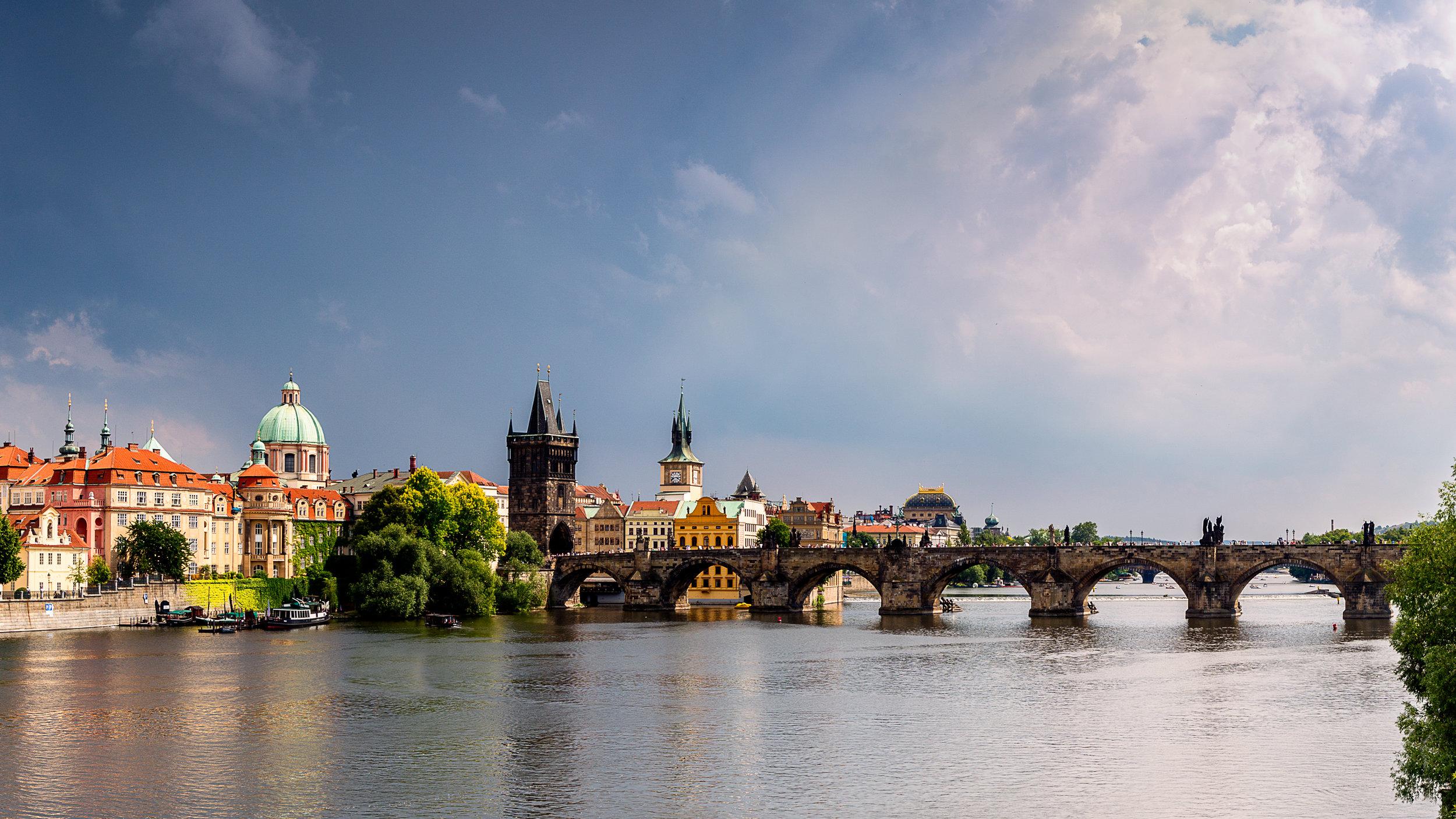 Prague Charles Bridge-Pano.jpg
