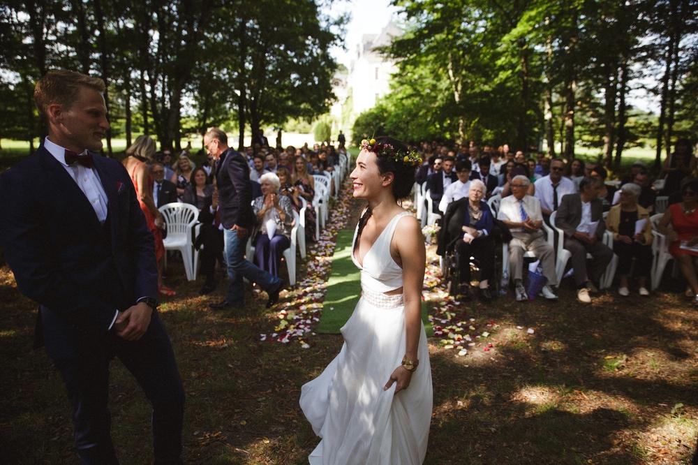 03-la-femme-gribouillage-mariage-gite-luxe-angers (2).jpg