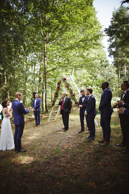 03-la-femme-gribouillage-mariage-gite-luxe-angers (22).jpg