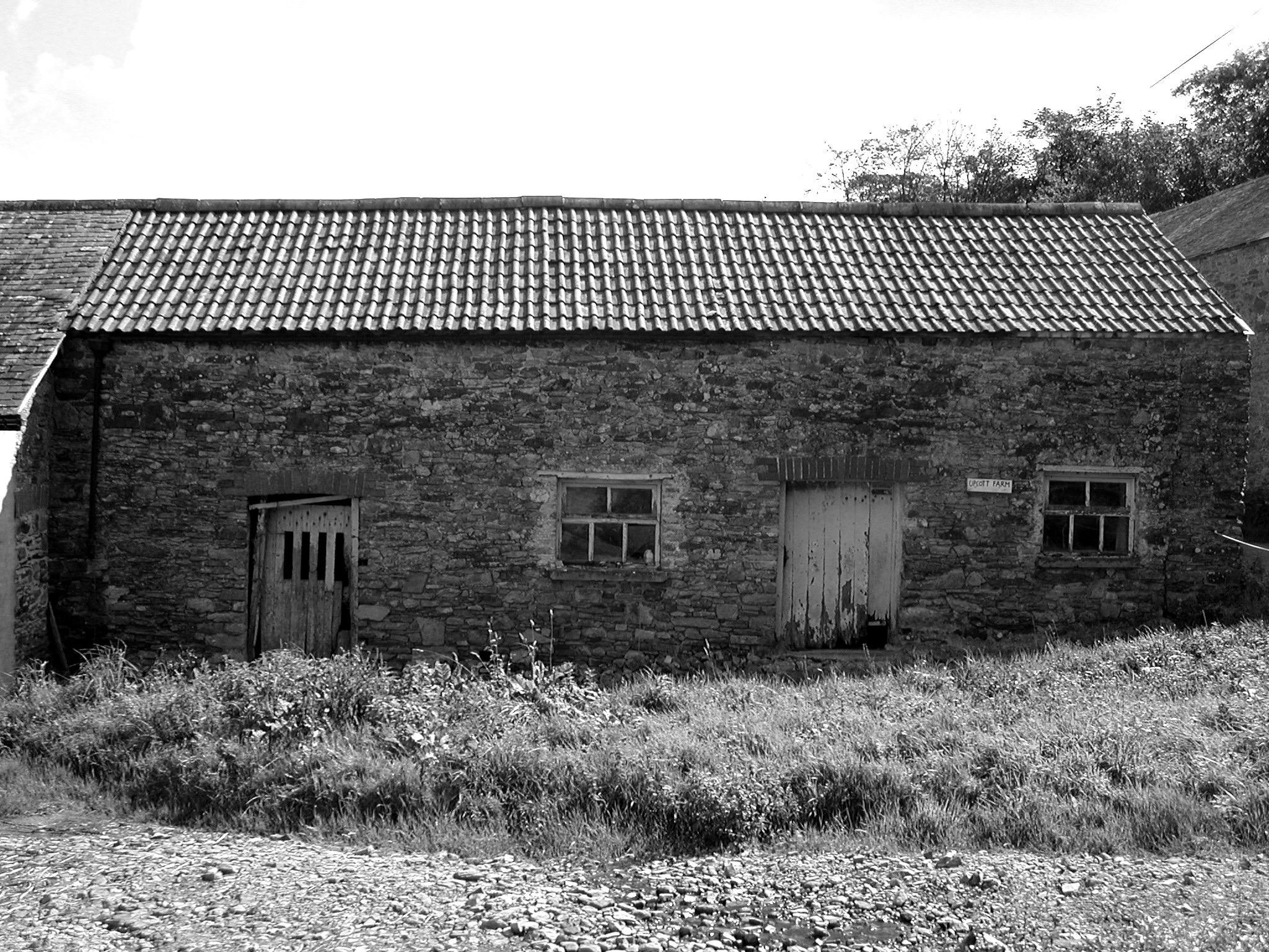 upcott farm lambshed bw.jpg