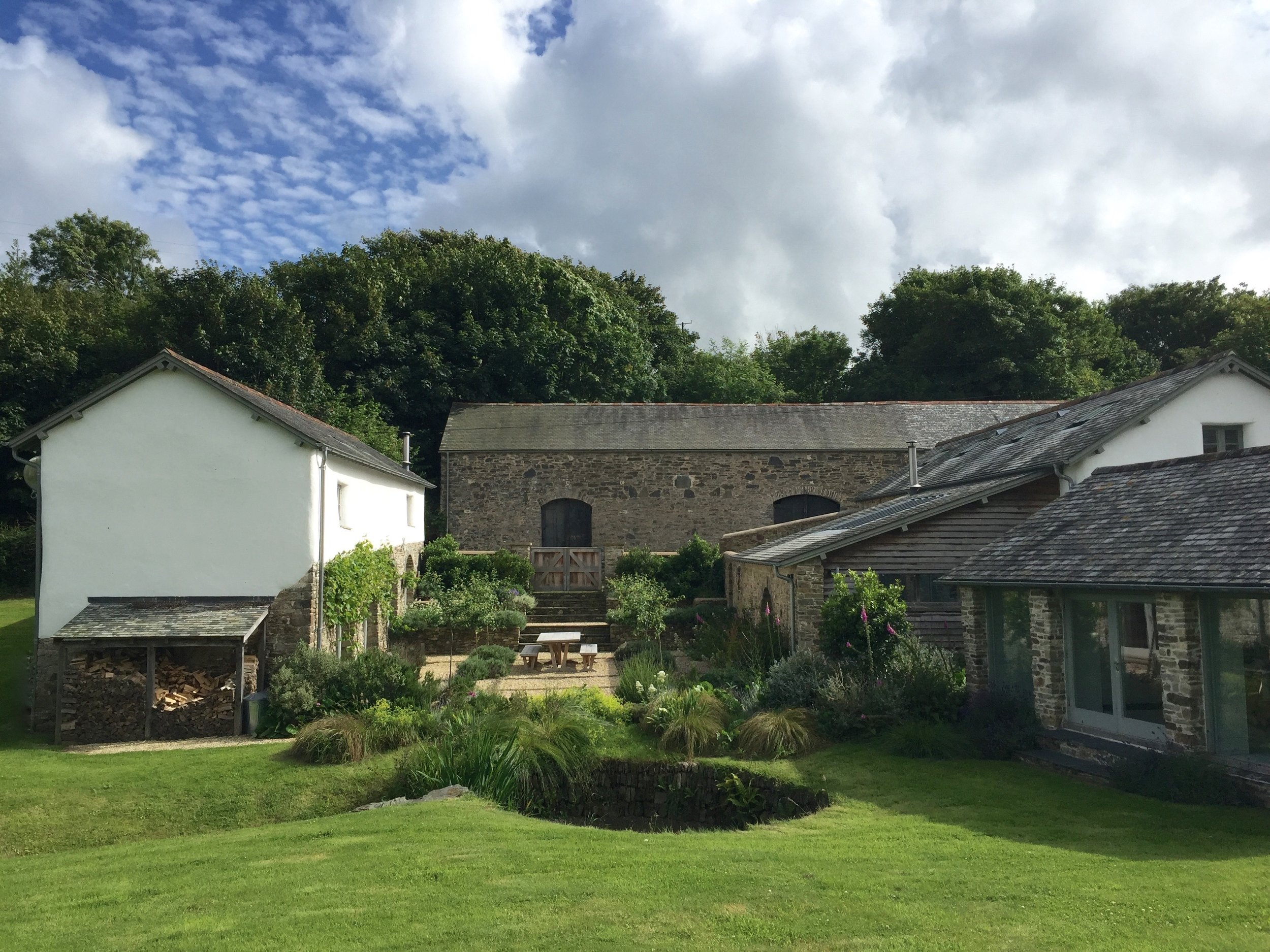 Upcott Farm Calfshed Courtyard