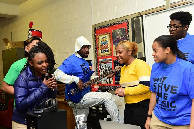 Shout out to @wyclefjean & @vh1savethemusic for their awesome donation to the South Philadephia High School's music program! • • • • #livingelements #philly #foundation #nonprofit #community #love #outreach #csr #nonprofits #donate #crowdsourcing #donors #giveback #philanthropy #volunteer #volunteering #change #activisim #advocacy #cause #education #earth #green #humanity #impact #peace #socialgood #sustainability