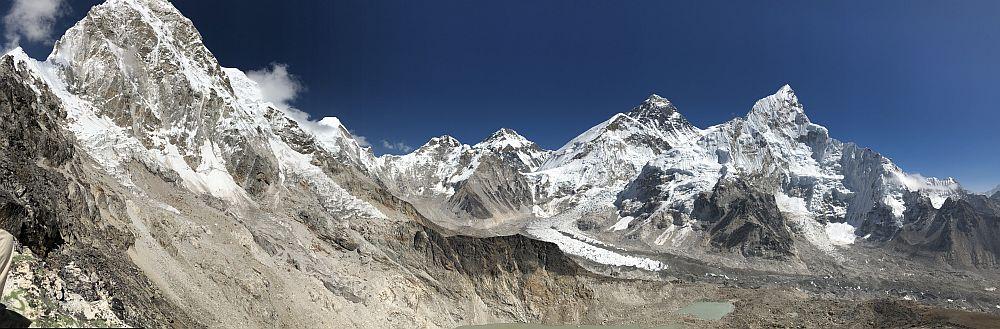 Panorama of the Himalaya, seen from Kalapatthar.