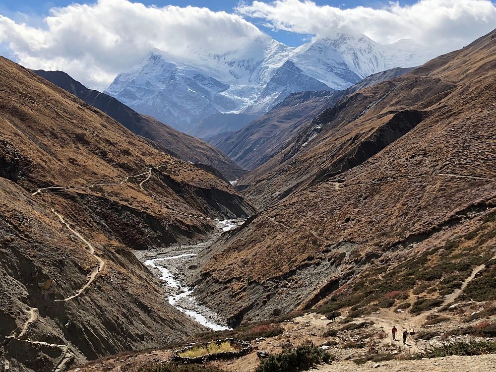 Looking south down the Kone Kola river valley, the section of trail between Letdar and Thorung Phedi.