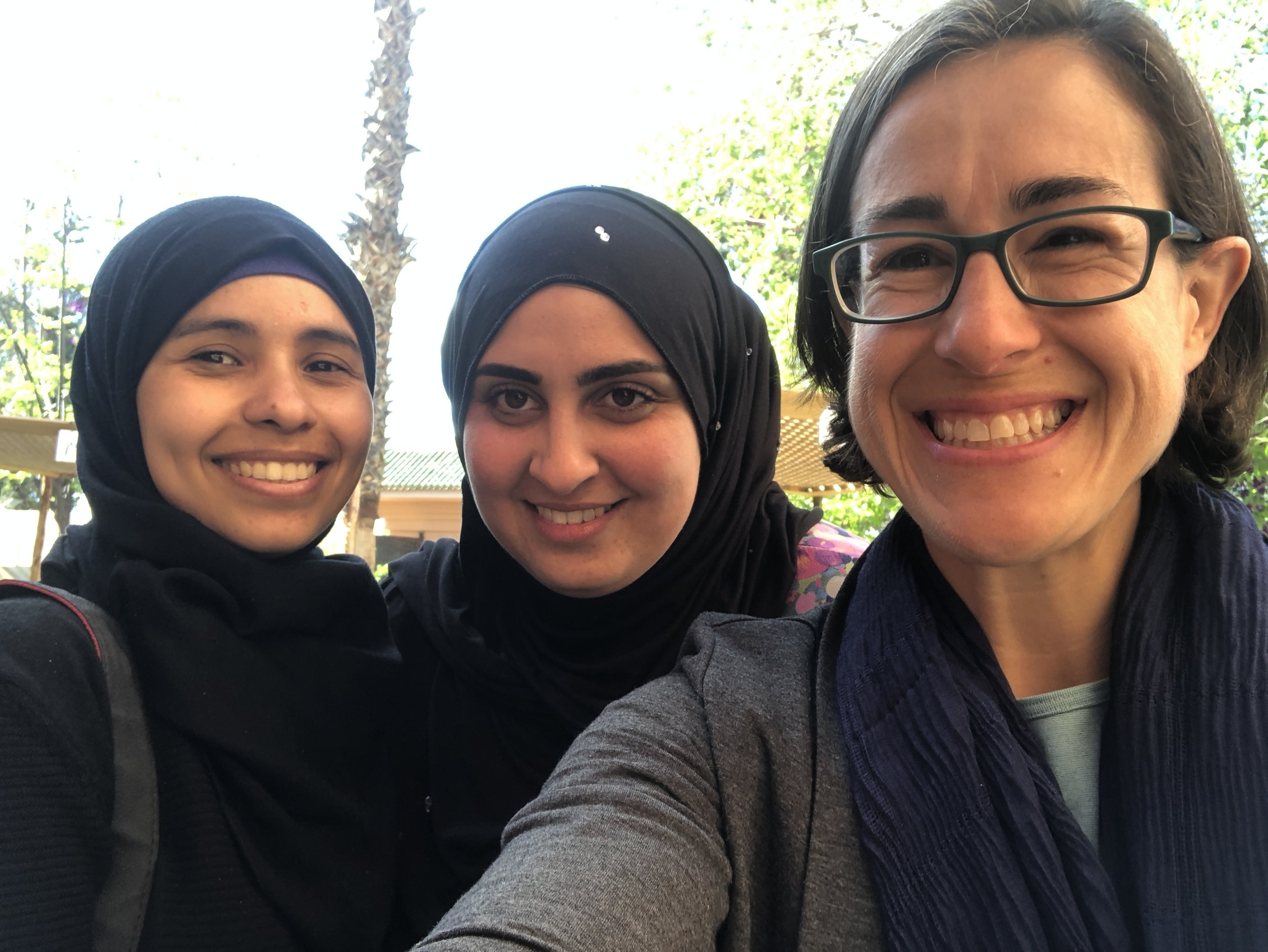 Warda and Oumaima humor me with a selfie.