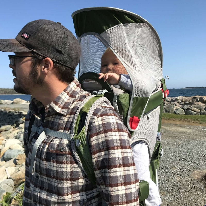 Picture showing the Poco AG with the sunshade up.