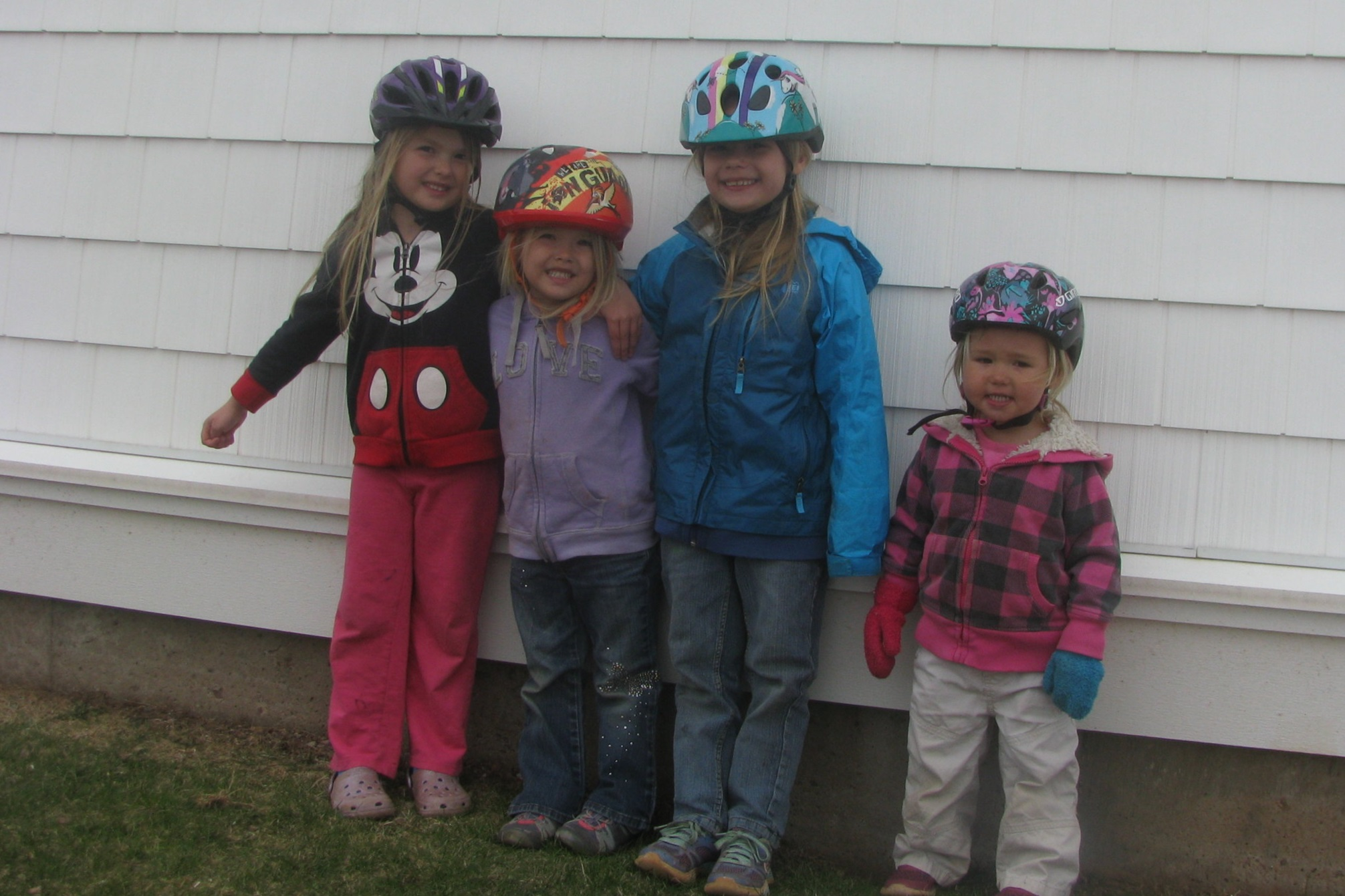 Helmets that fit everyone is a must for safe biking!