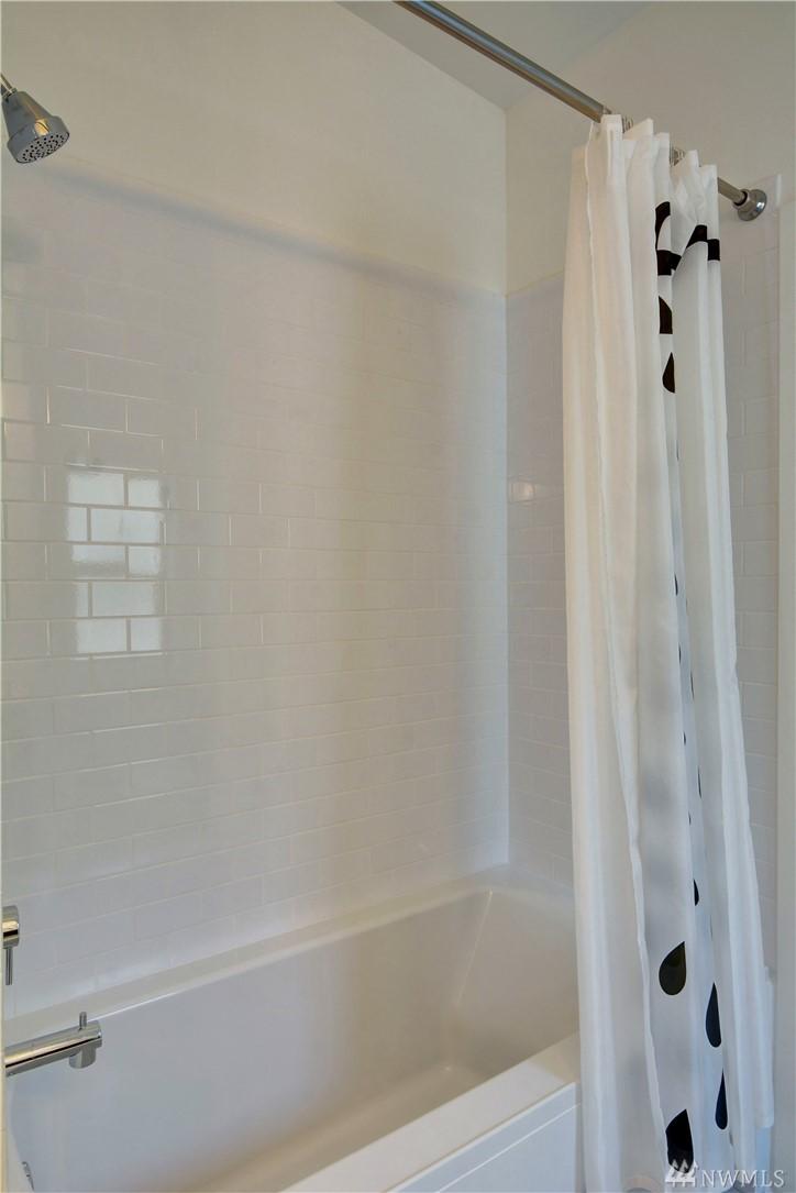Greenbelt Station Townhome 2018(10) | Bathroom.jpg