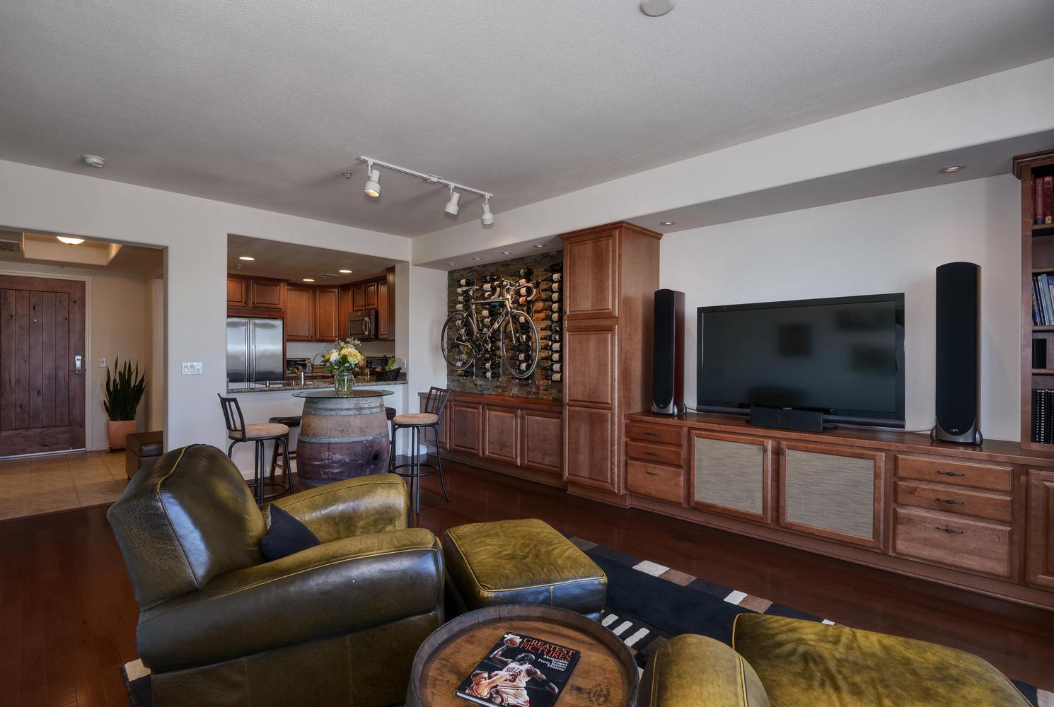 809 Auzerais Ave 419 San Jose-large-011-Living Area View 2-1490x1000-72dpi.jpg