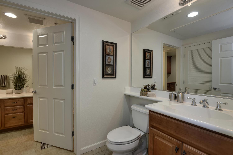 809 Auzerais Ave 419 San Jose-large-015-Separate Toilet Room with-1500x1000-72dpi.jpg