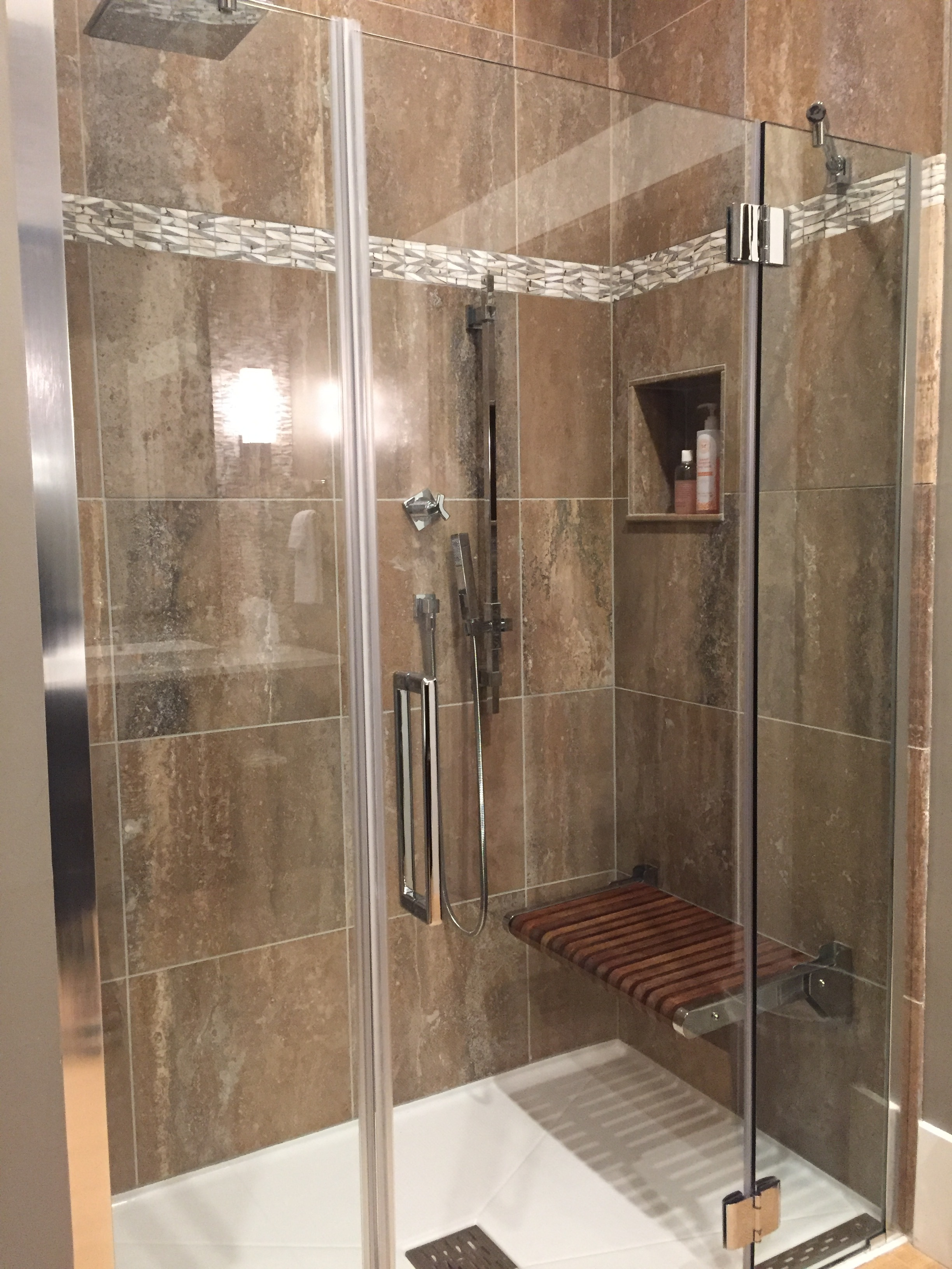 Frameless Hinging Shower Door