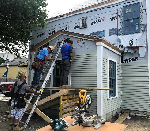 Our hard working crew! 🔨 . . . . #renovation #siding #harborsideholdings #working #history #historicpreservation #architecture #construction #constructionworker #precision