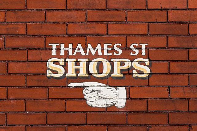 If you need a Saturday activity... . . . . #thamesstreet #bristolri #harborsideholdings #brick #art #arrow #shopping #shop