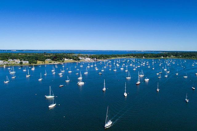 Not a cloud in the sky! 📸: @mkisiday . . . #bristolri #thamesstreet #harbor #sailing #sailboat #water #boating
