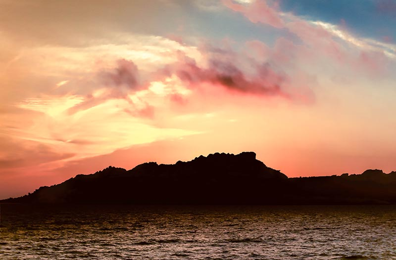 island_near_sardinia