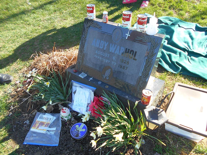 andy_warhol_grave
