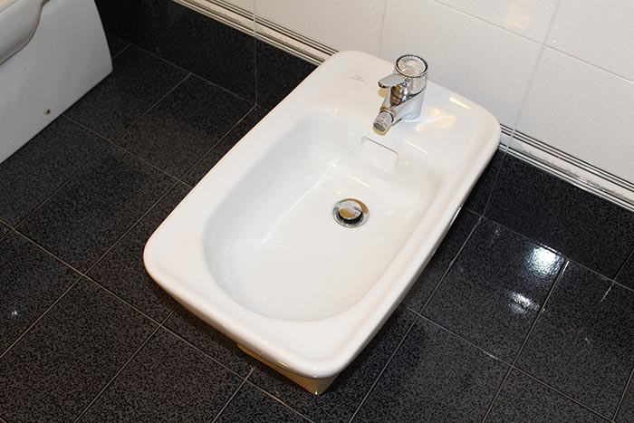 Traditional French bidets look a lot like fancy foot baths, no?