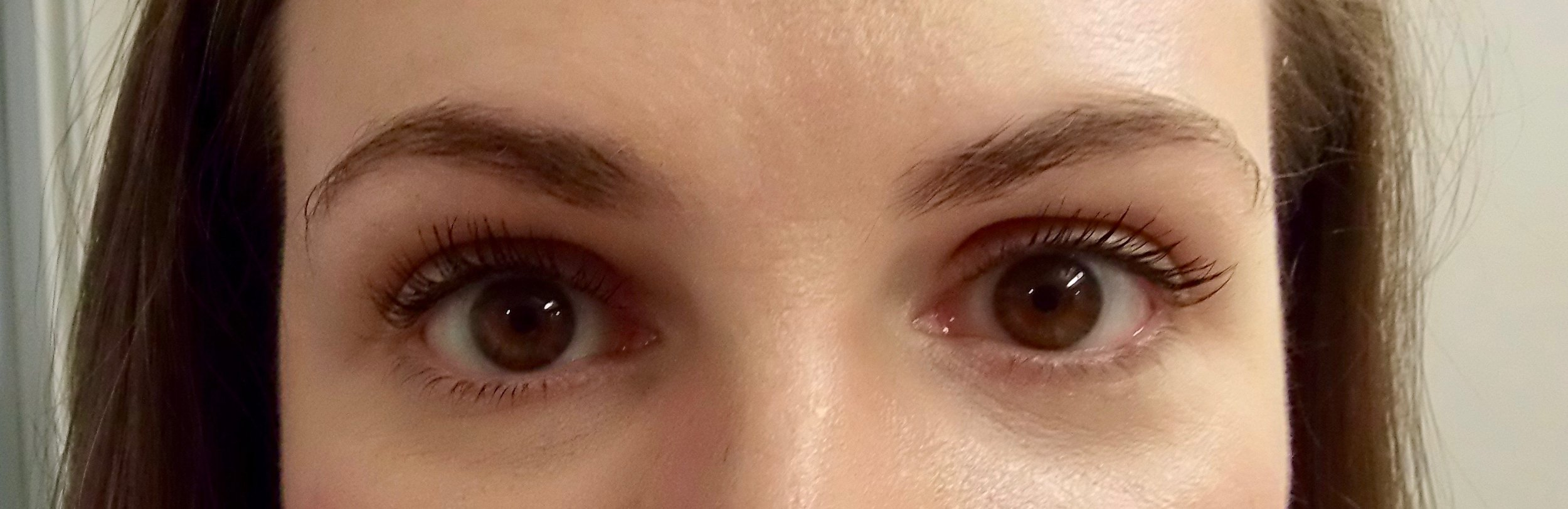 How to Layer Mascara