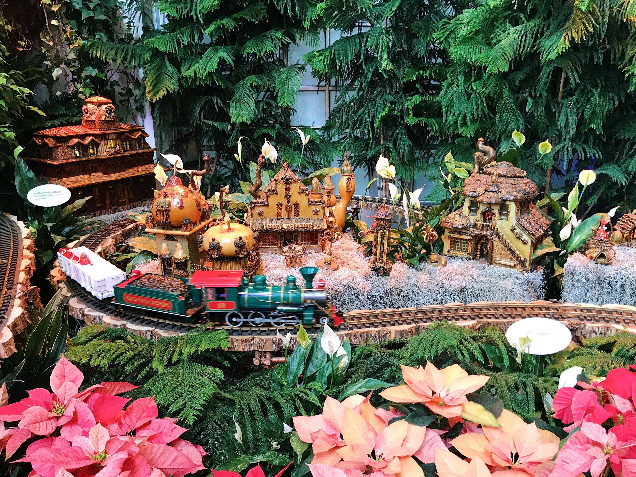 Christmas decorations in Washington D.C.