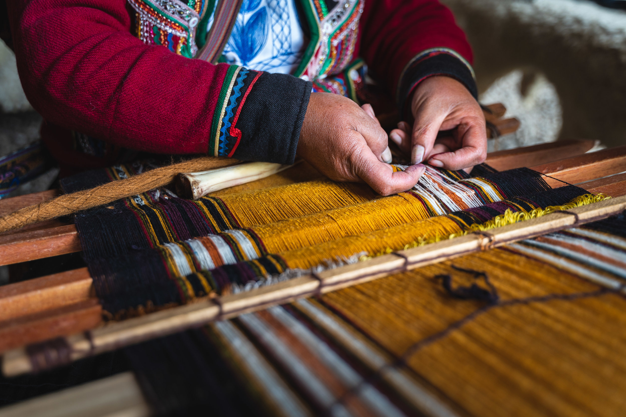 Chinchero textile market and the weaving tradition passed through generations.