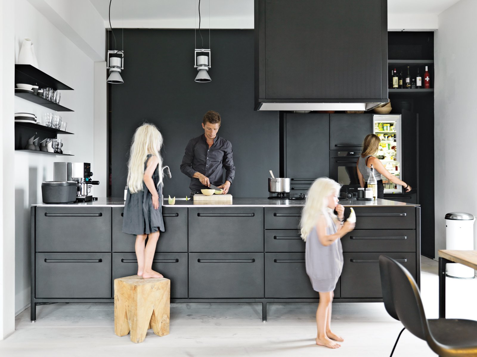 modern-black-and-white-minimalist-danish-design-kitchen.jpg