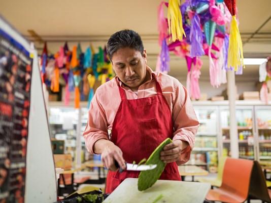 hispanic worker2.jpg