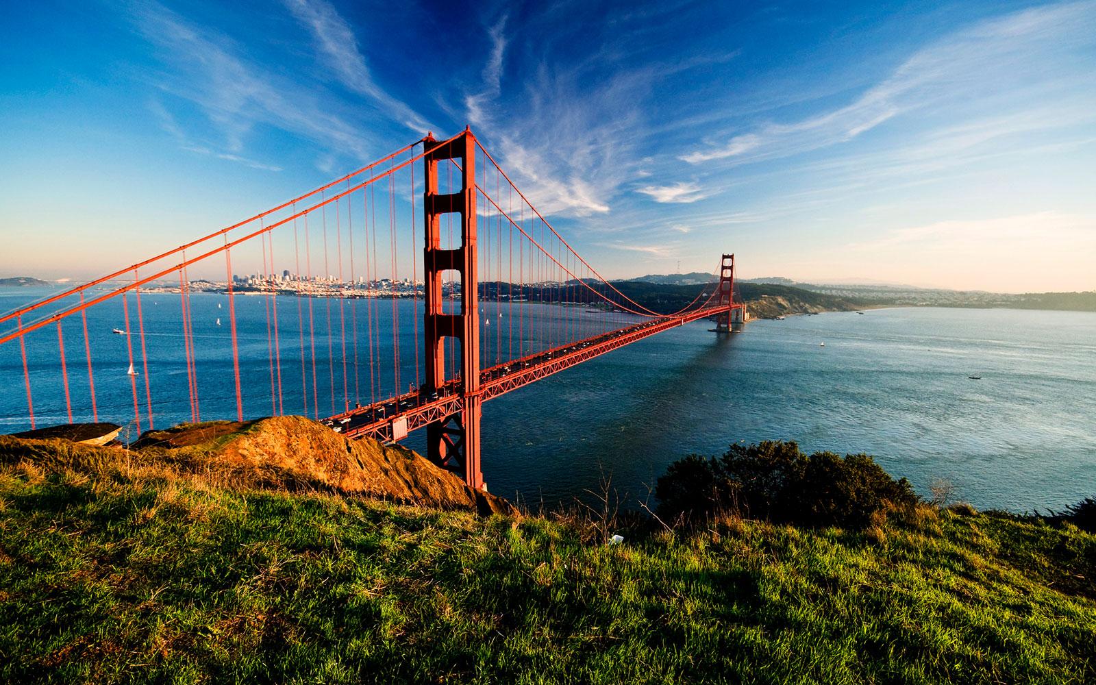 golden-gate-bridge-of-san-francisco-california-top.jpg