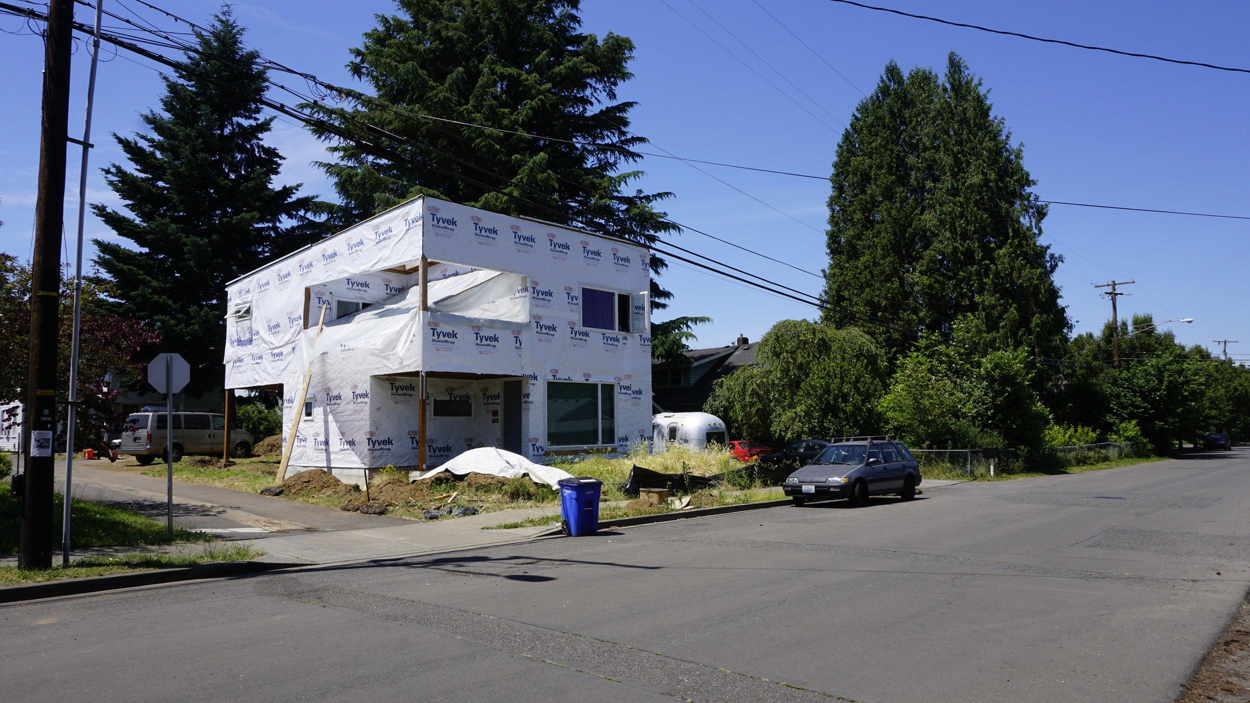 1_LT HOUSE.jpg