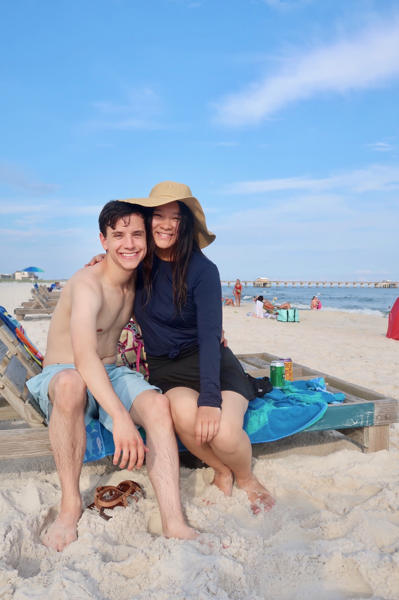Joe and Flora lookin' super cute on the beach.