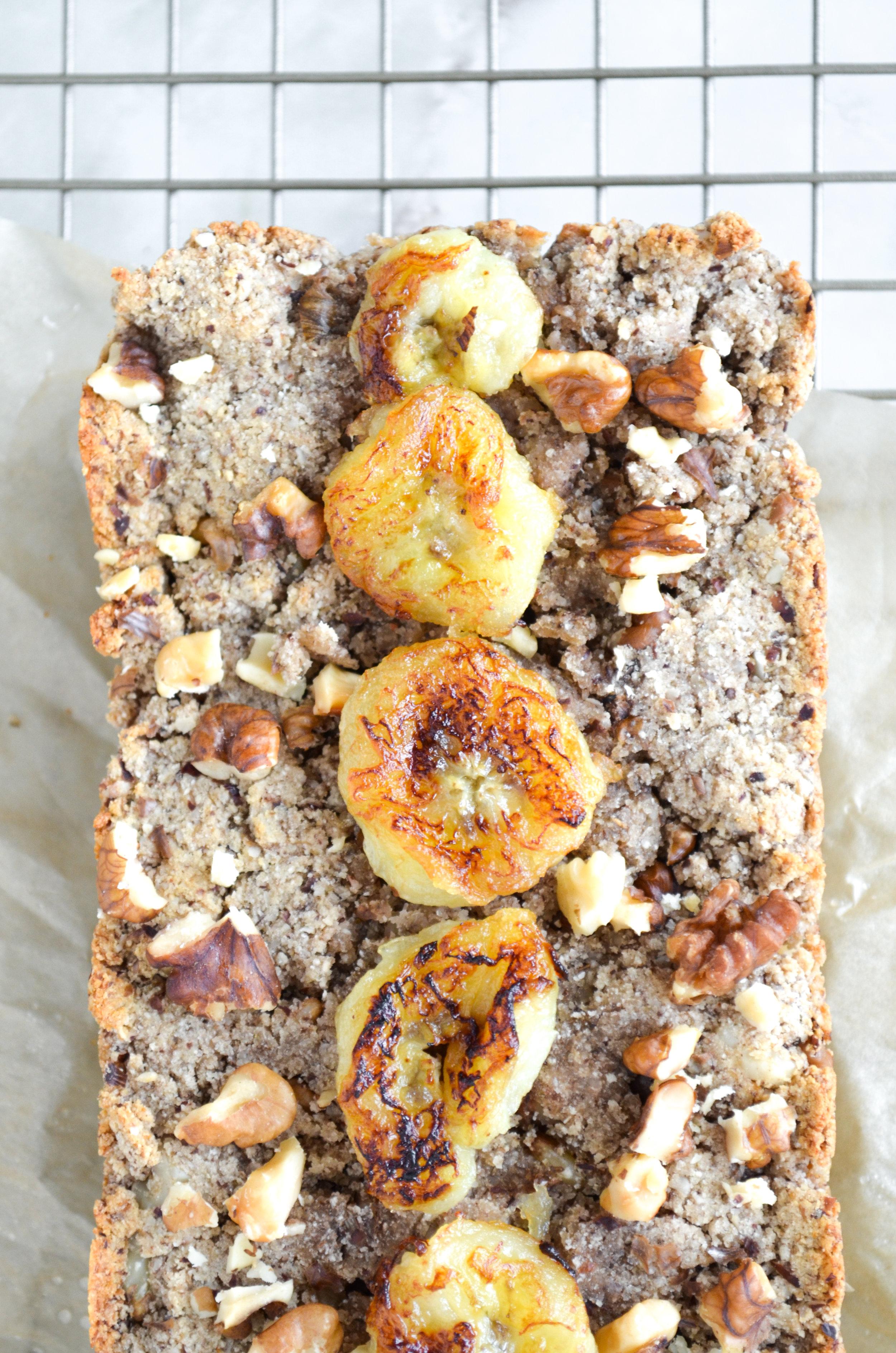 paleo banana bread // #ShiraRD #paleo #refinedsugarfree #SnacksbyShira