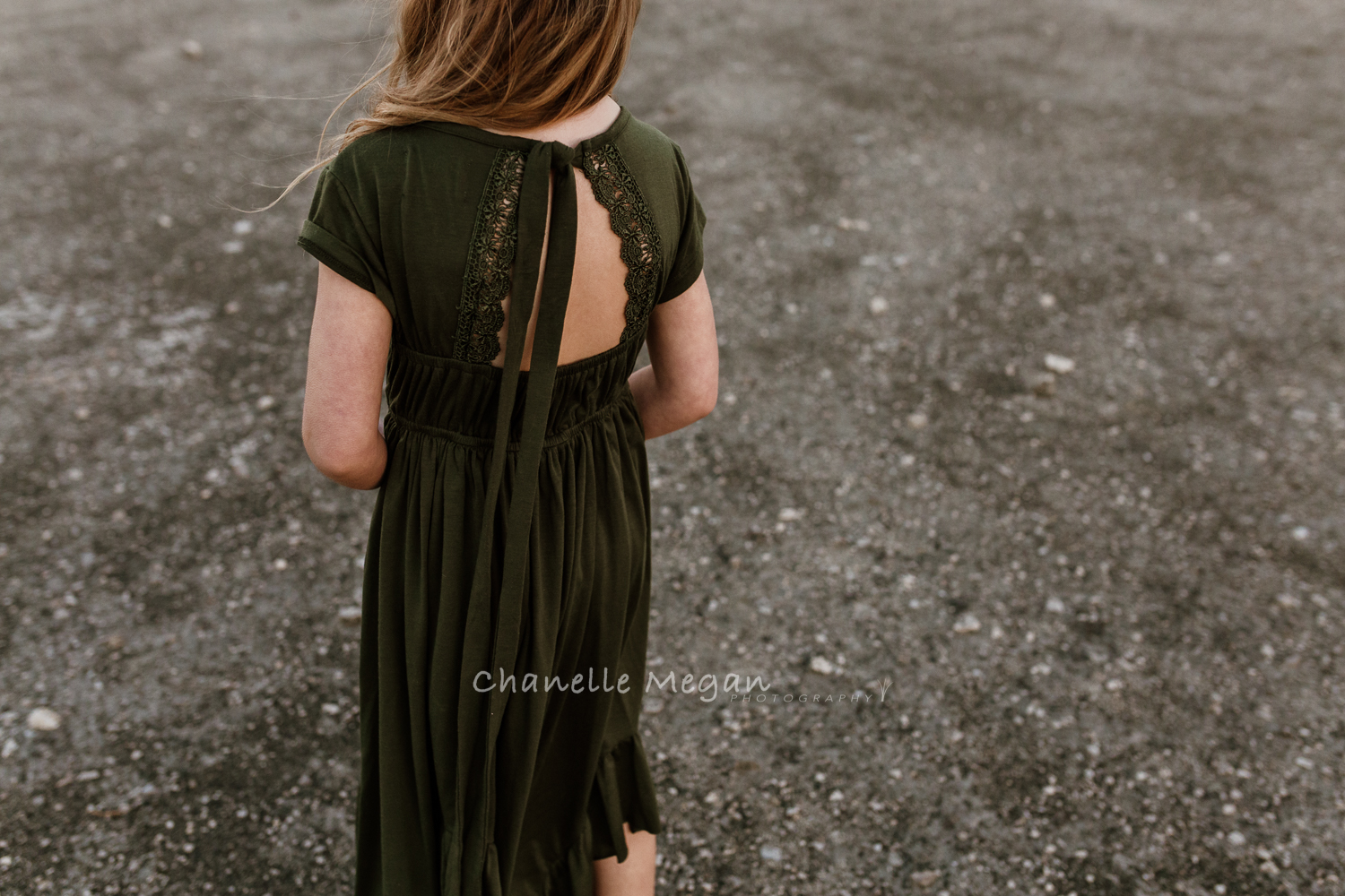 Capturing the details of your kids childhood, Chanelle Megan Photography demonstrates this through a travelling dress that passed through Perth