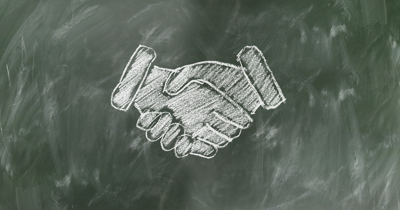shaking-hands-2499612_1280.jpg