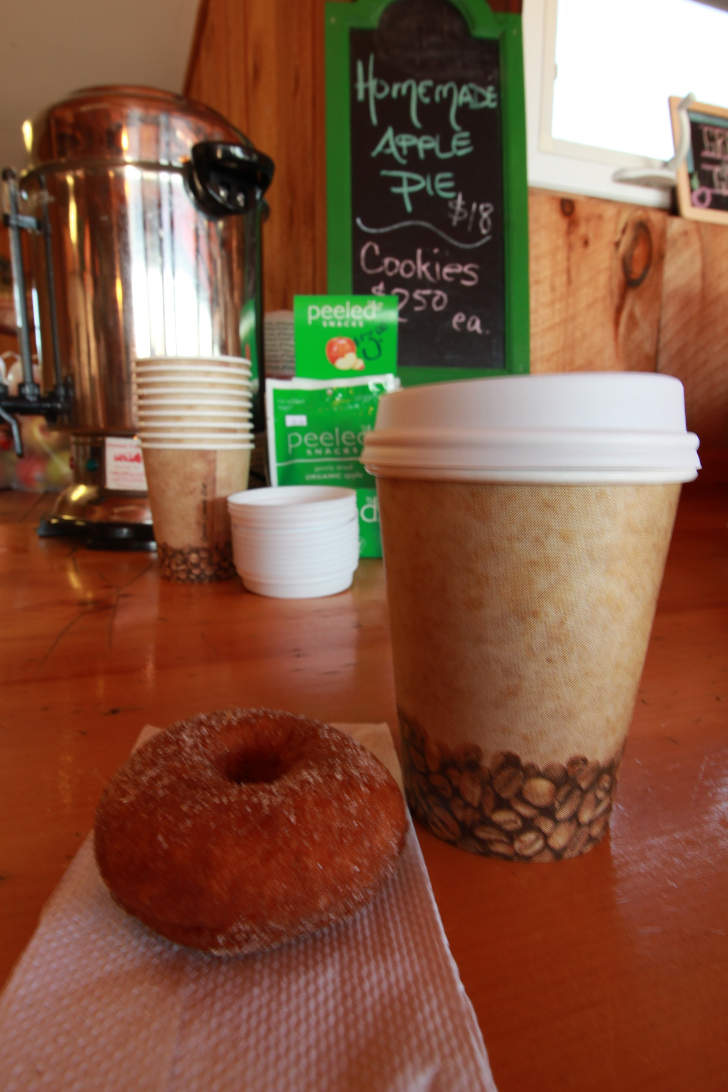 yummy spiced hot apple cider and apple cider donuts