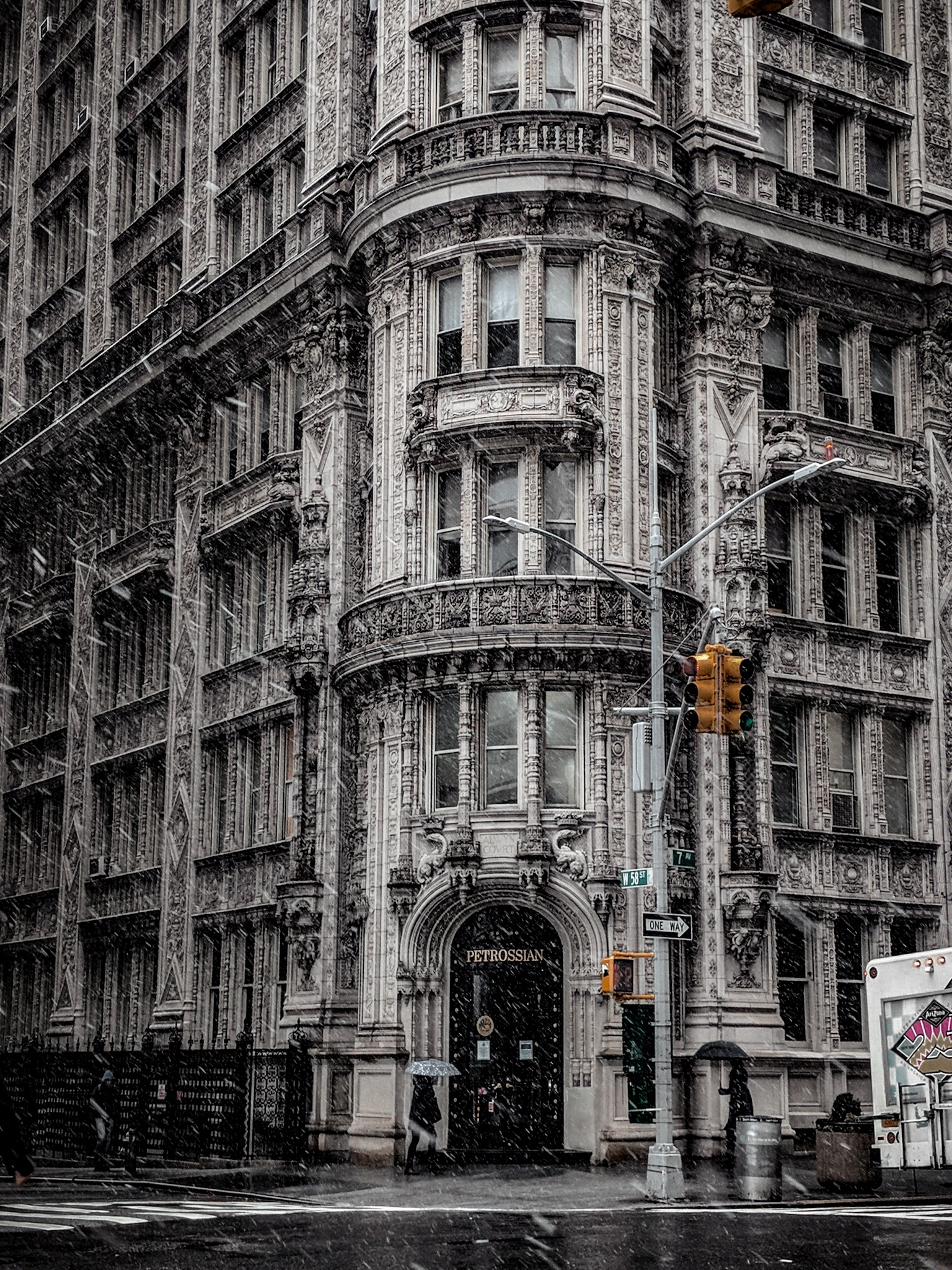 One of the most photographed buildings on the West Side....I mean c'mon!