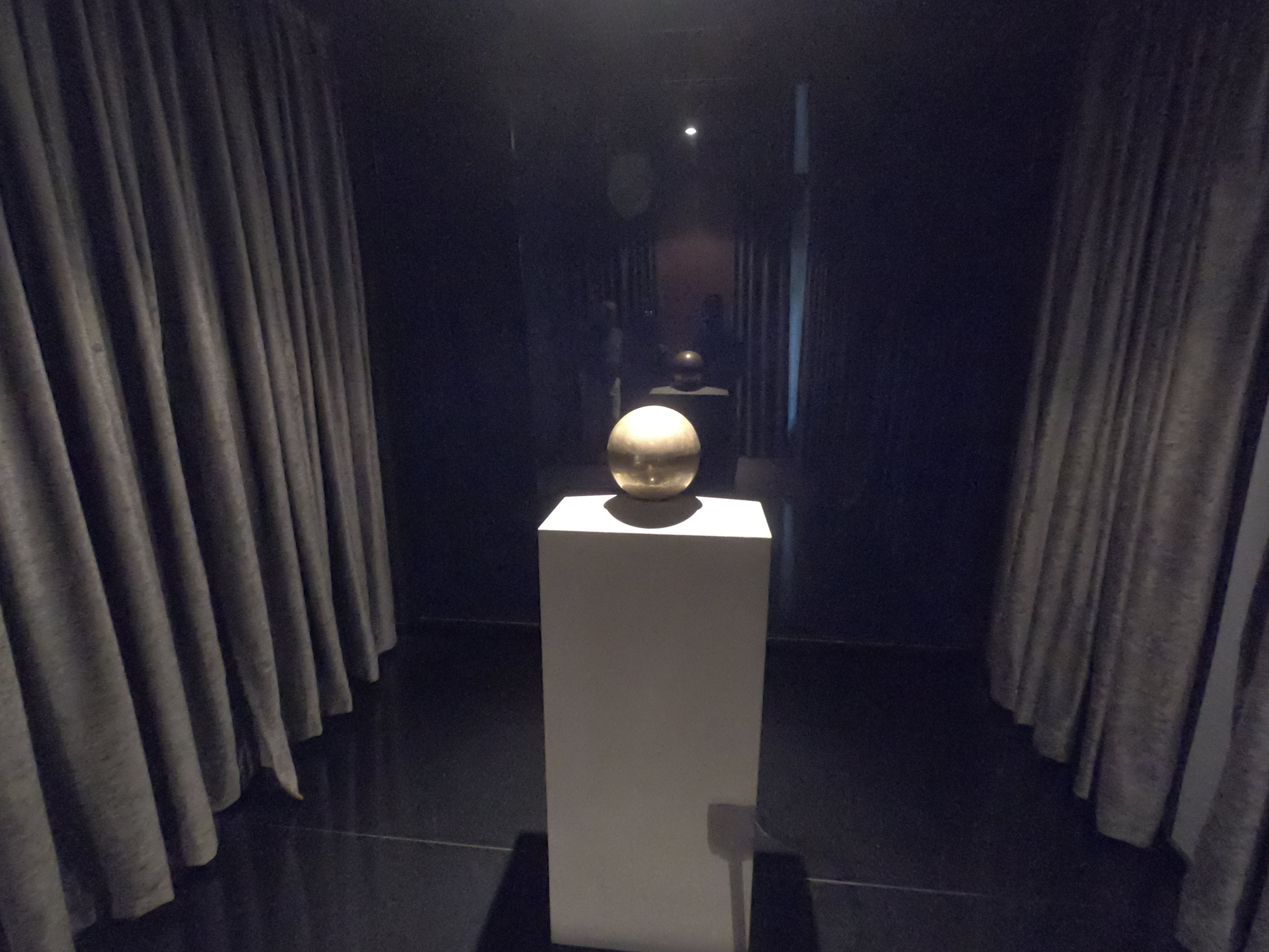 The Urn containing the ashes of the great man himself!
