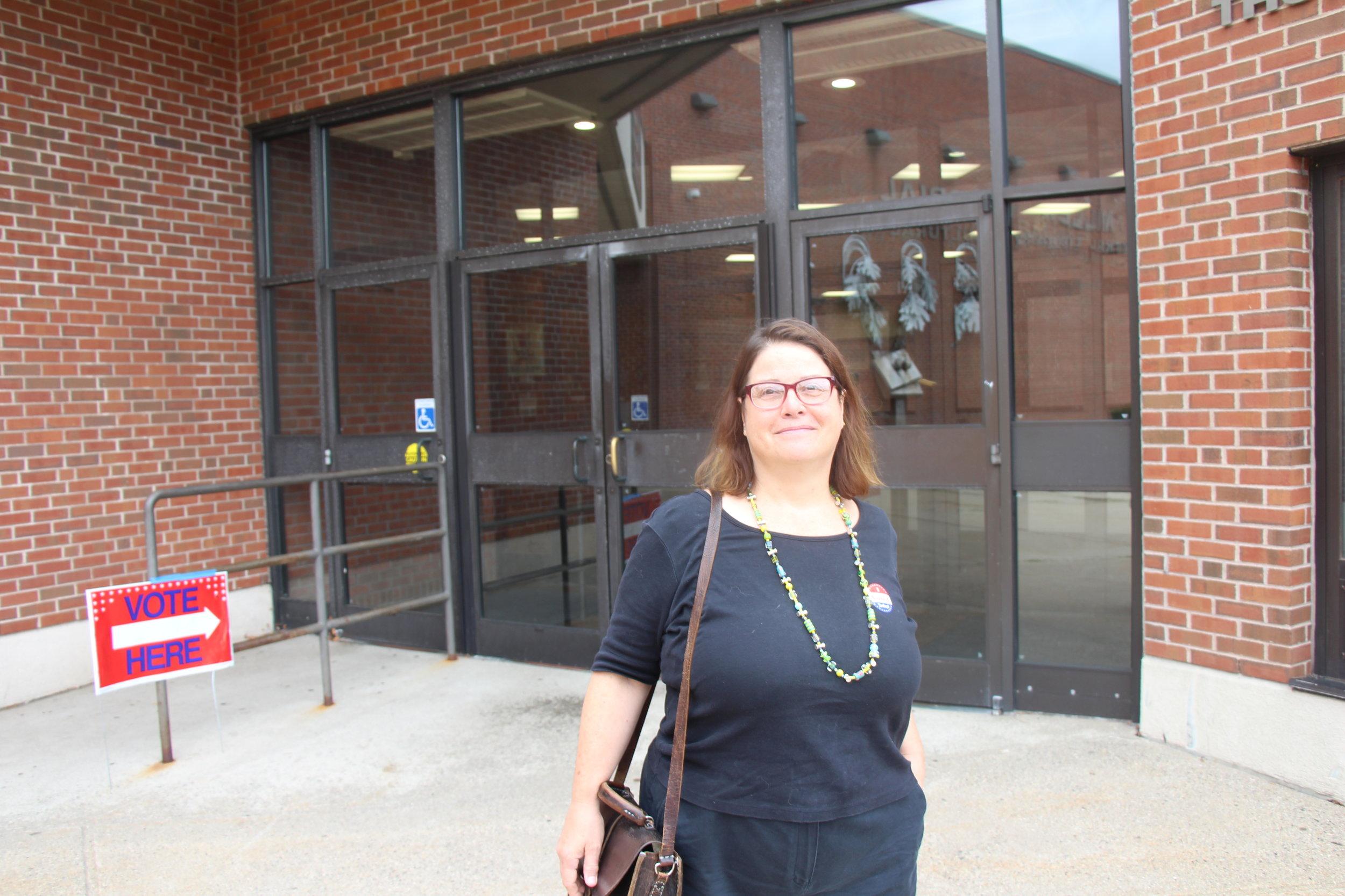 Sarah Ruden believes that a new mayor will help fix Hamden's problems with Quinnipiac University.