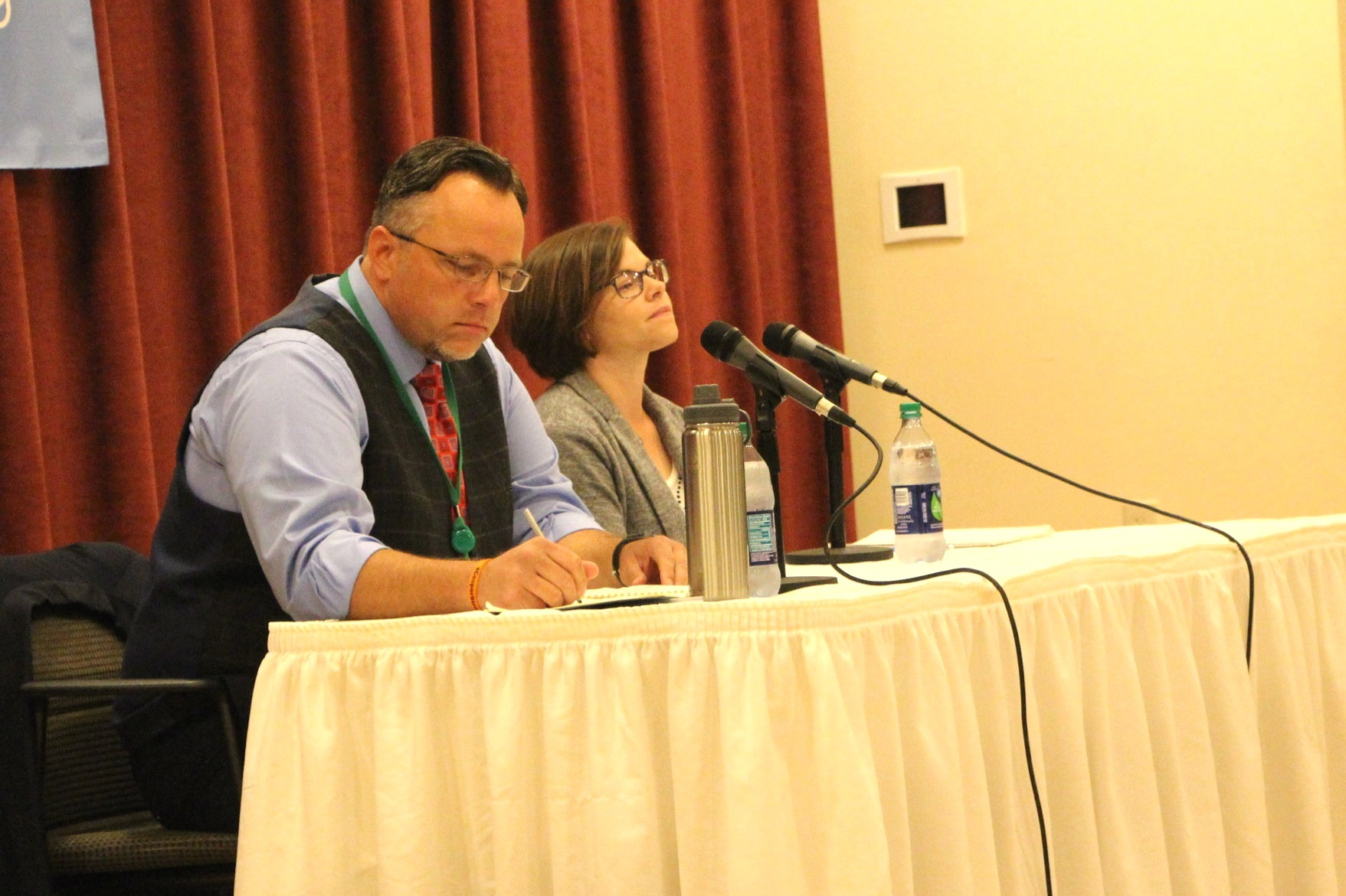 The two democratic mayoral debates on  Wednesday Sept. 4  and  Friday Sept. 6,  had many different topics of discussion ranging from town budgets to taxes, but a major concern with both candidates had to do with Quinnipiac students living in residential neighborhoods around Hamden.