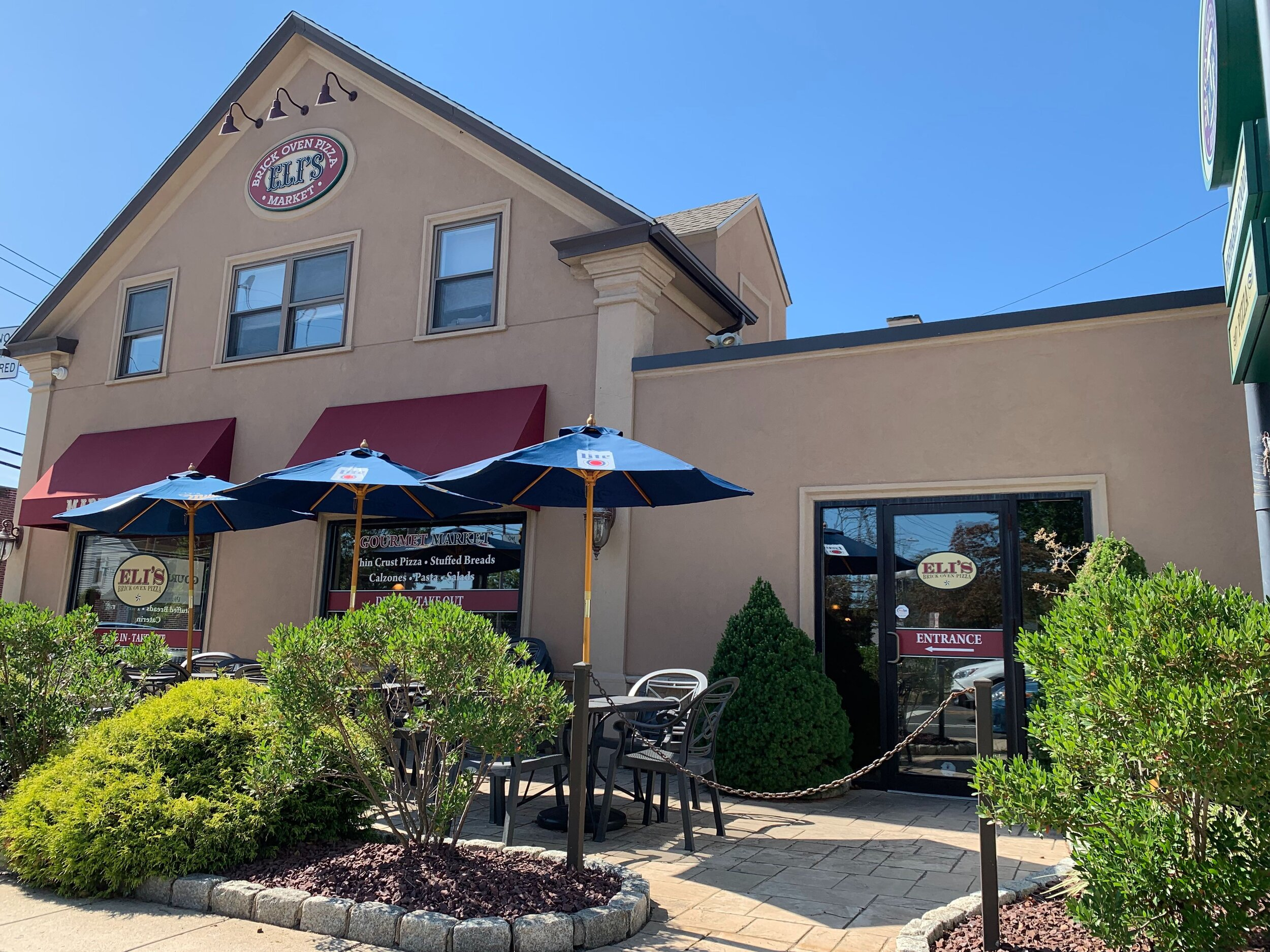 Eli's on Whitney is a hot spot for all Quinnipiac students.