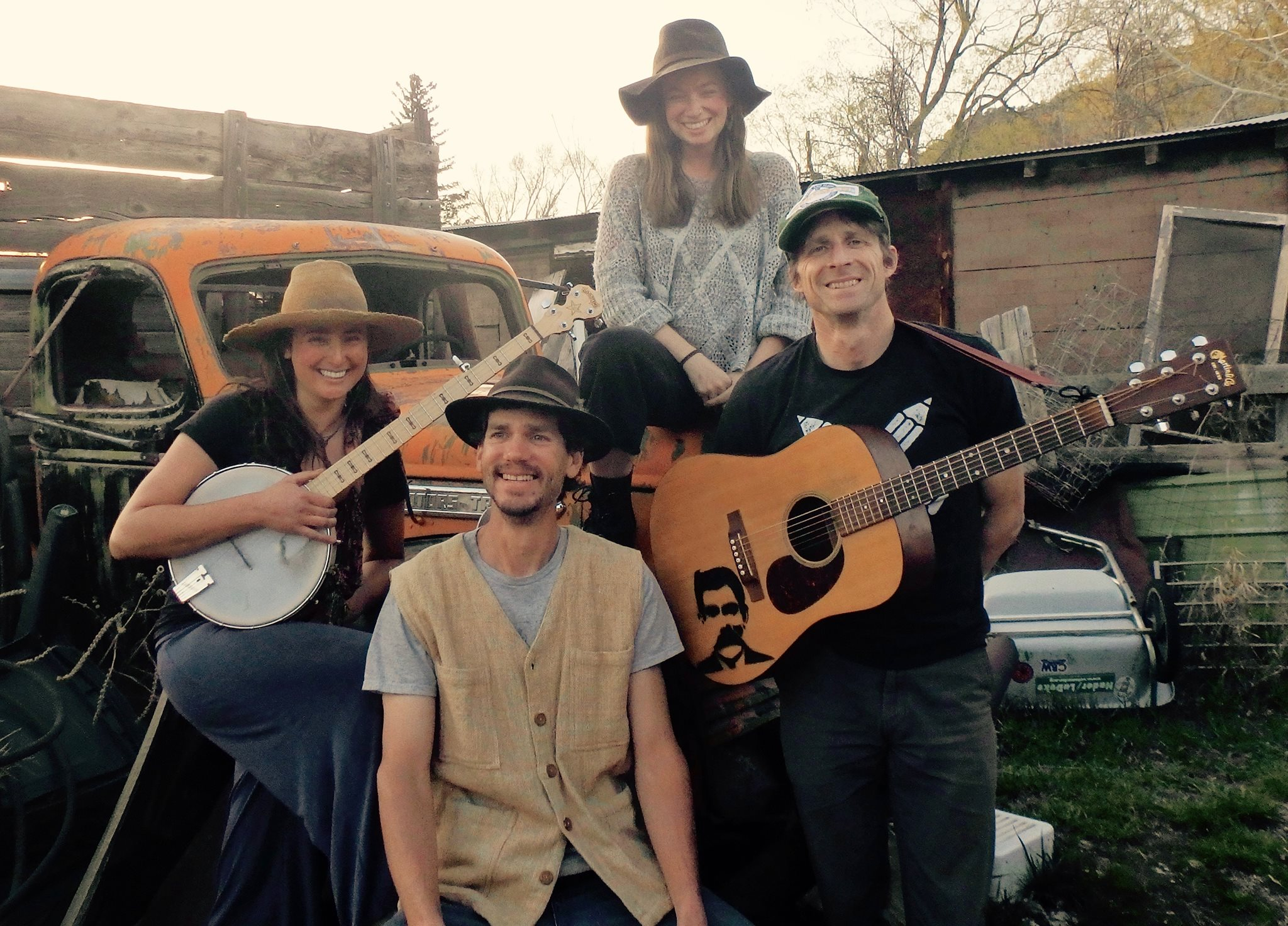 4 Raccoon Fight - Raccoon Fight creates foot stomping mountain tunes with raw, original lyrics, intricate harmonies, African-inspired percussion, bubbly banjo and guitar.