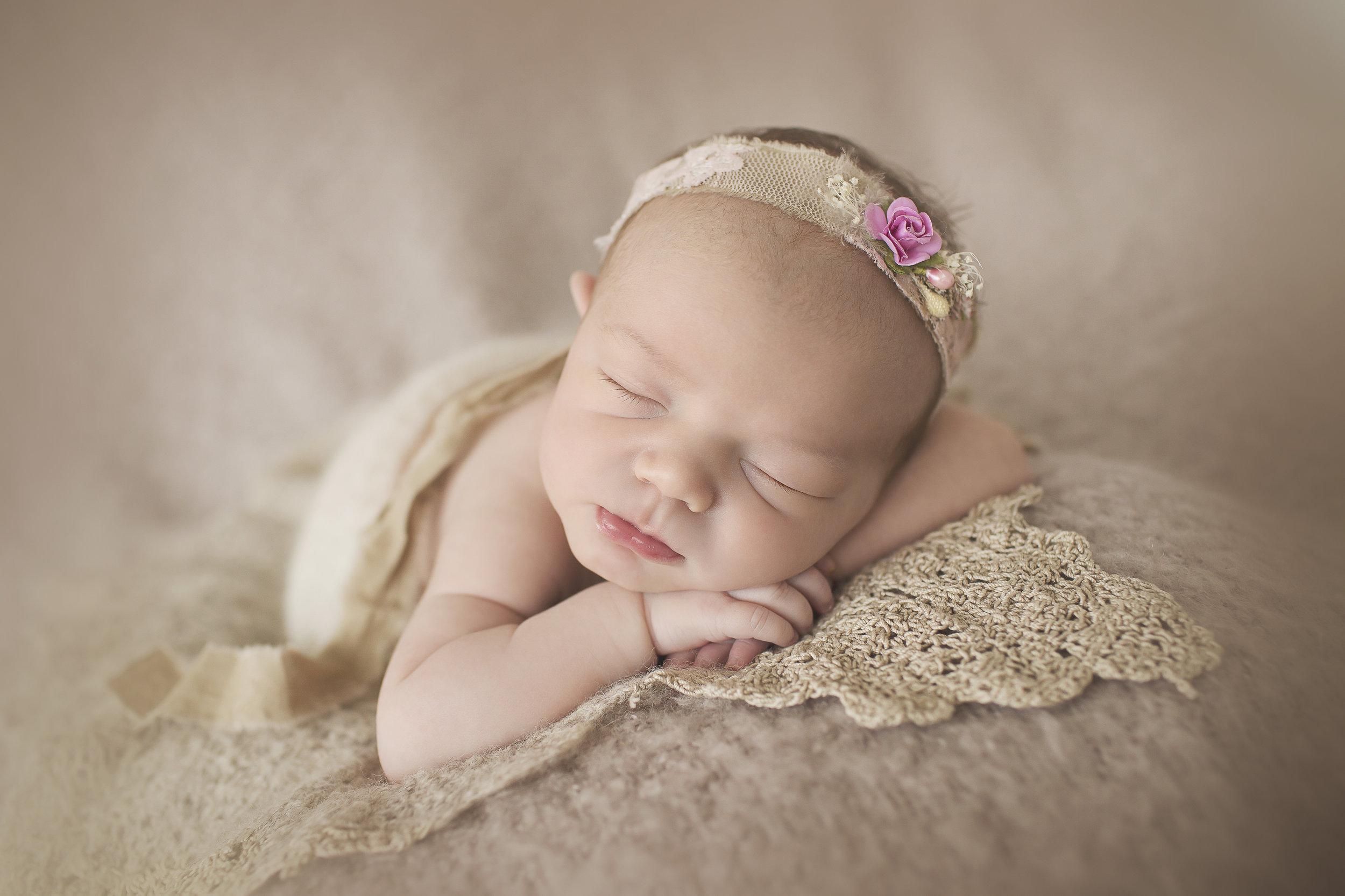 bmp-newborn-Mia-042015-10.jpg