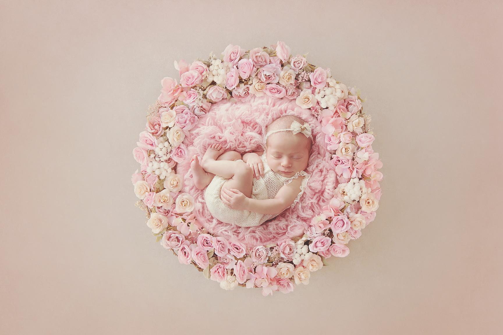 web-pinkfloral-wreath-valeria.jpg