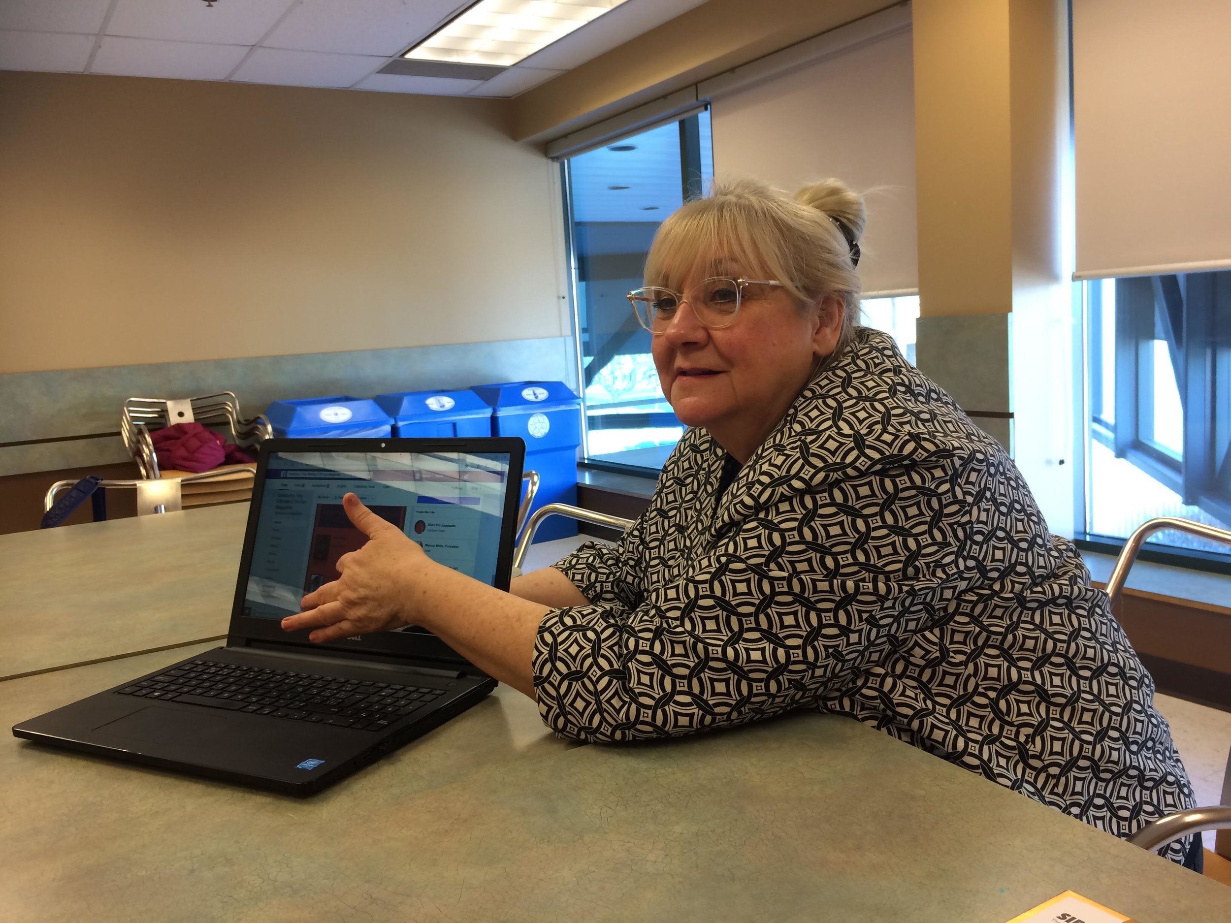 Carolyn explains the finer points of operating an online magazine