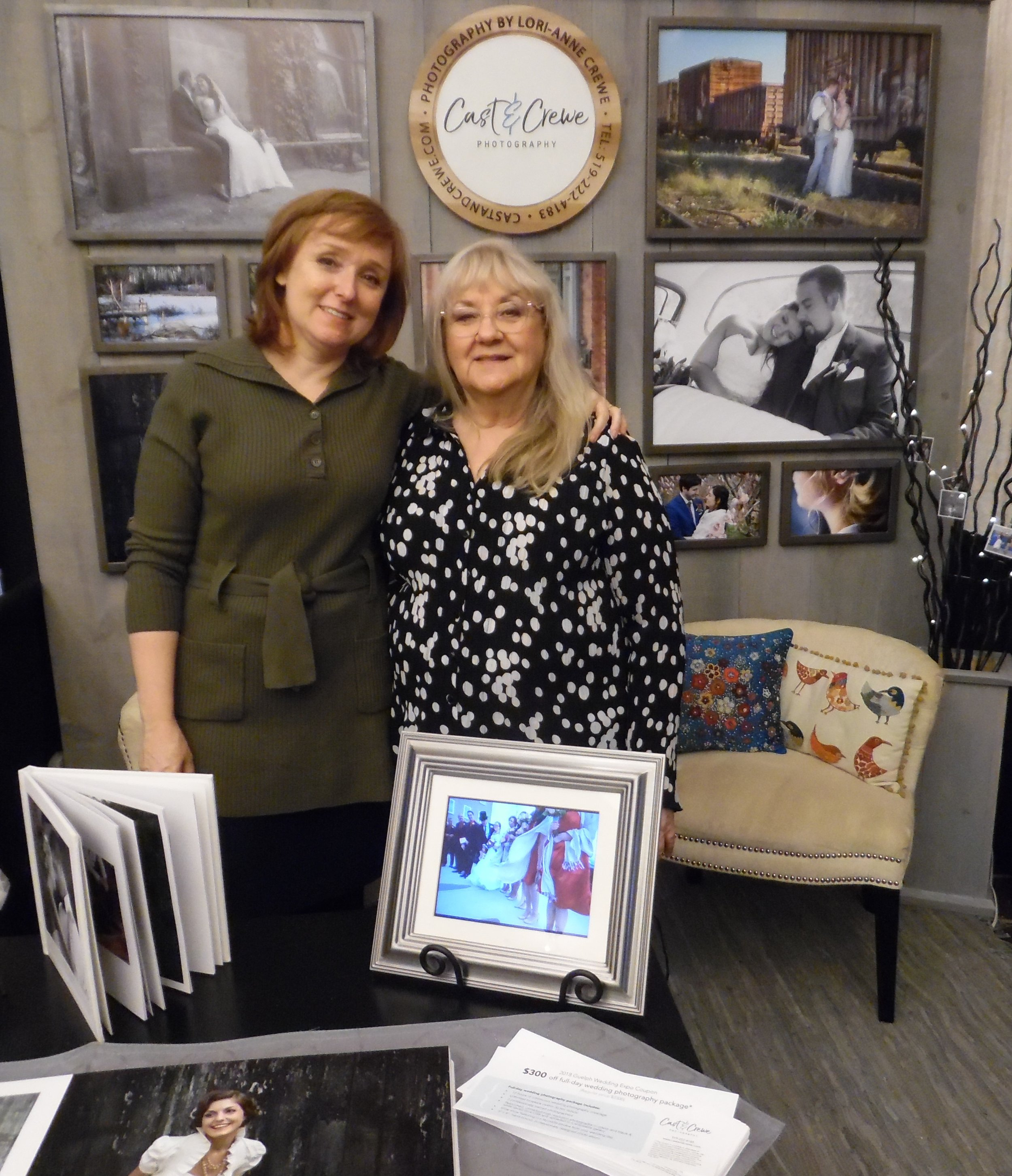 Road trip: Carolyn MacArthur, Editor, SIDEBURNS Magazine, drops by to visit Lori-Anne Crewe's photography display at  The Ring .