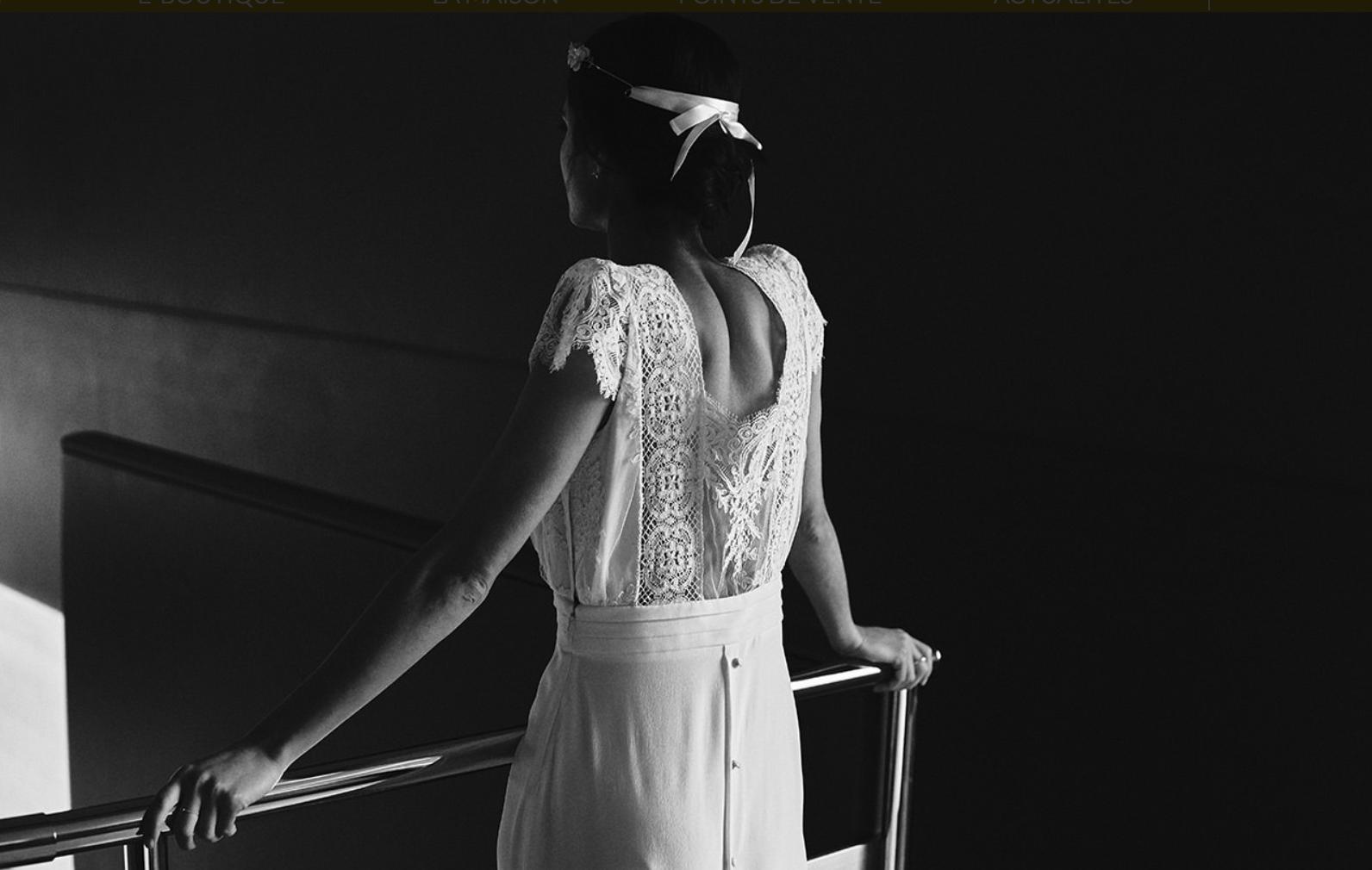 Robe Welles. Corona Dorothée Flores.