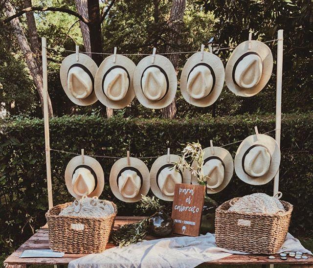 🌿 En la boda de J+E nos acompañó un día de ☀️tan precioso como el que hace hoy😍 ¡Y lo que nos gustó disfrutar del sol con vosotros!👏🏼👏🏼 Feliz fin de semana a todxs! . . . Wedding Co.: @alegriamacarenaweddings  Venue: @palaciosanjoseren 🌿: @florfruitseventos . . . #weddingplannerbilbao #bodasbilbao #bodaspaisvasco #alegriamacarenabodas #weddingplannervitoria