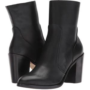 Dolce Vida Booties .jpeg