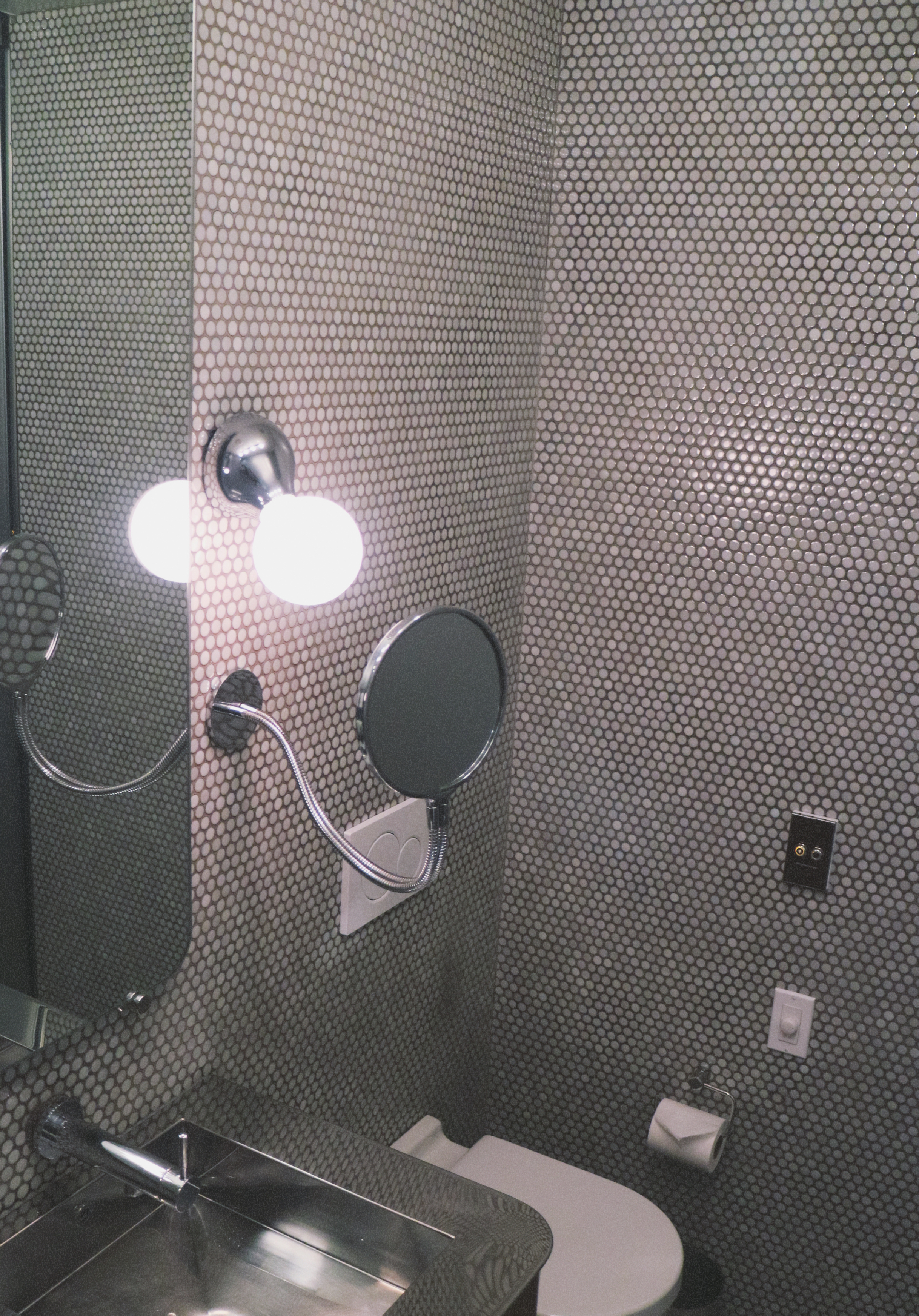 dream downtown hotel new york bathroom